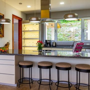 Super Stylish Kitchen is Just a Colourful Upgrade Away!
