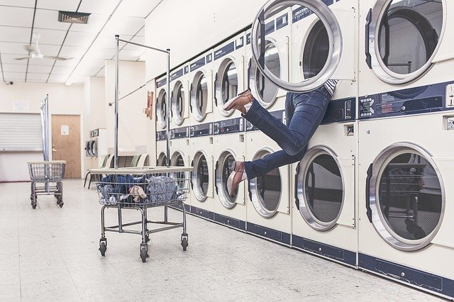 Big Family Tips Laundry Schedule